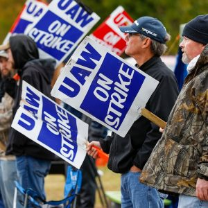 White House Comments After John Deere Workers Begin Strike, Number Of Striking Workers Set To Grow