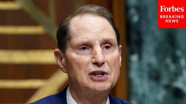 Ron Wyden Speaks At Portland Youth Climate Strike